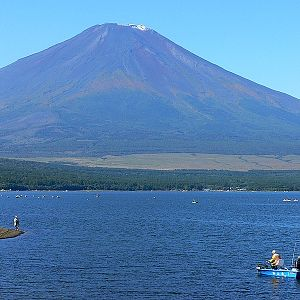 Lake Yamanaka (山中湖