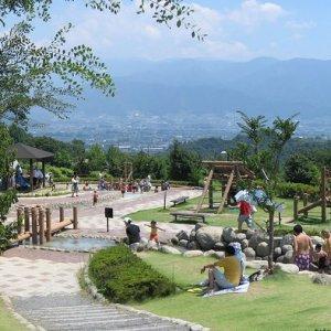 Fuefukigawa Fruit Park (山梨県笛吹川フルーツ公園)